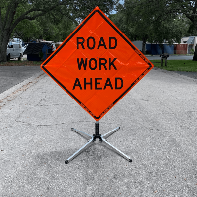 Dicke Safety Products UF2000 - Compact Sign Stand action
