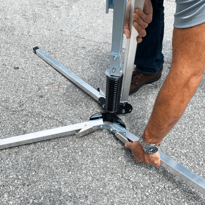 Dicke Safety Products UF2000 - Compact Sign Stand Release